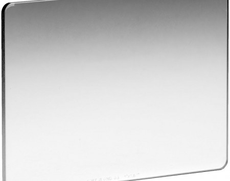NiSi 4 x 5.56 Nano Soft-Edge Graduated IRND 0.3 Filter